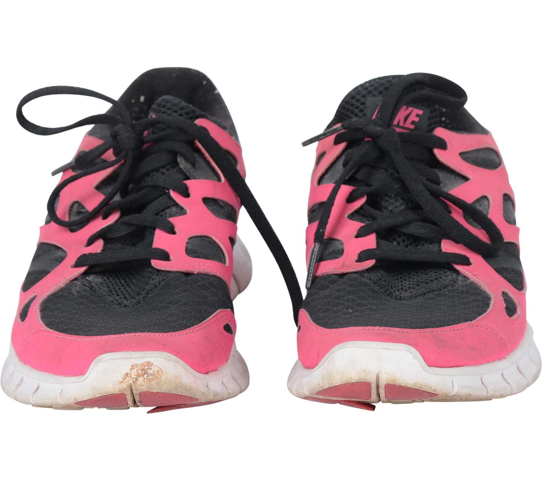 nike free run black and pink in stock