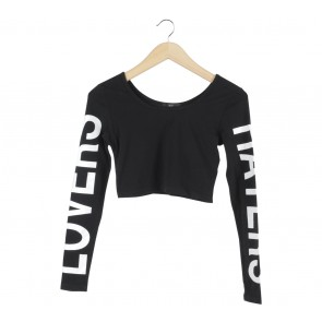 Forever 21 Black Cropped T-Shirt