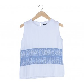 Visccose White Batik Sleeveless Blouse