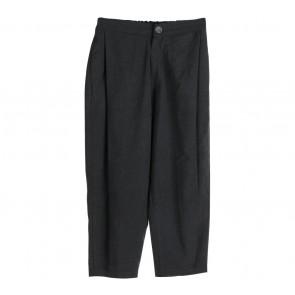Eloise To Wear Grey Pants