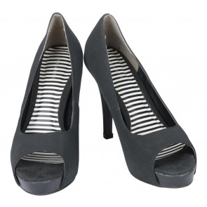 Urban & Co Black Open Toe Heels