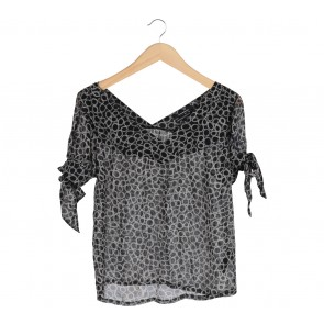 Club Monaco Black V-Neck Blouse