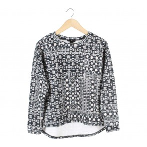 H&M Black And Cream Patterned Blouse