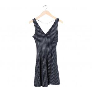 Zara Black Textured Sleeveless Midi Dress