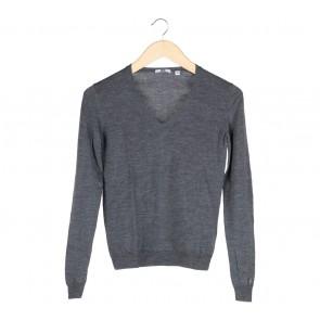UNIQLO Dark Grey Sweater
