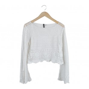 Divided Off White Net Cropped Outerwear