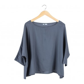 Dot Dtails Grey Blouse