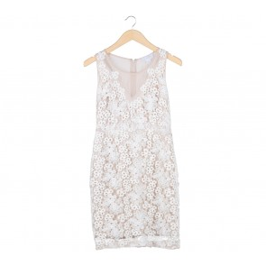 Jessica Simpson White And Cream Lace Mini Dress