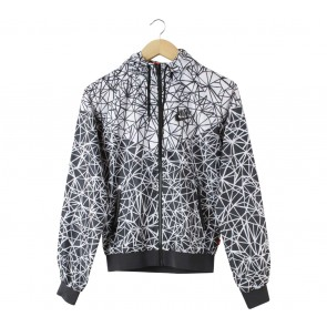 Nike Black And White Paterterned Jaket