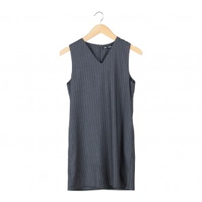 Love + Flair Grey And White Striped Sleeveless Mini Dress