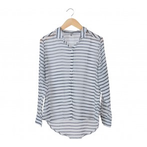 Stradivarius White and Blue Stripes Shirt