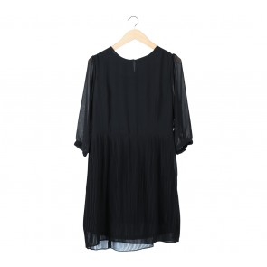 Rosetz Black Chiffon Pleated Mini Dress