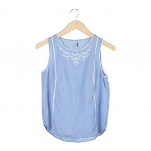Stradivarius Blue And White Floral Sleeveless Embroidery Blouse