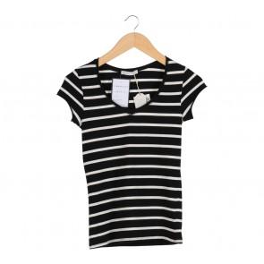 Black and White Stripes T-Shirt