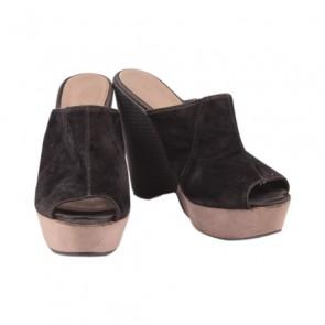 VNC Black Wedge Sandals