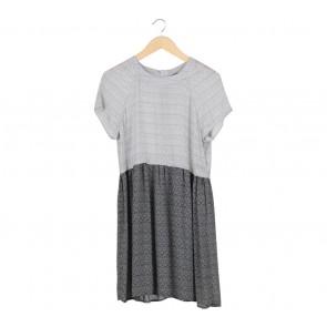 H&M Black And White Zig-Zag Midi Dress