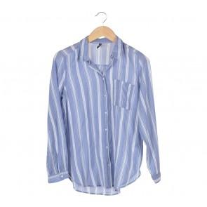 Divided Blue Stripes Shirt