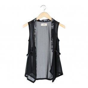 (X)SML Black And White Vest