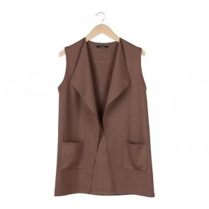 Le Bijou Brown Plain Vest