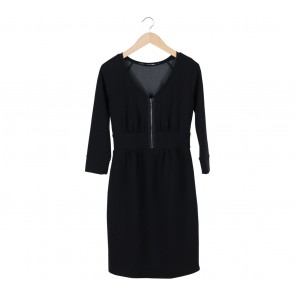 Sportmax Code Black V-Cut Zippered Midi Dress