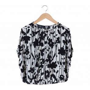 Zara White And Black Floral Cropped Blouse