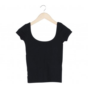 Pull & Bear Black T-Shirt