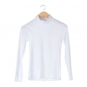 UNIQLO White Turtle Neck T-Shirt
