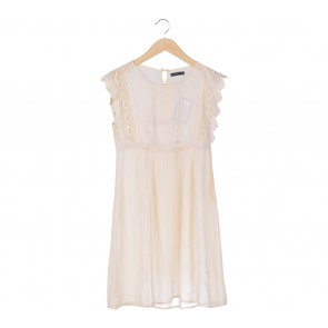 Atmosphere Cream Embroidery Midi Dress