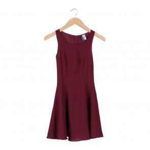 Divided Maroon Sleeveless Mini Dress