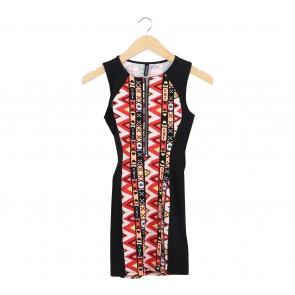 Divided Multi Colour Sleeveless Midi Dress
