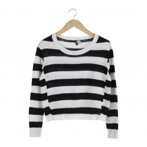 Divided Black And White Striped Sweater