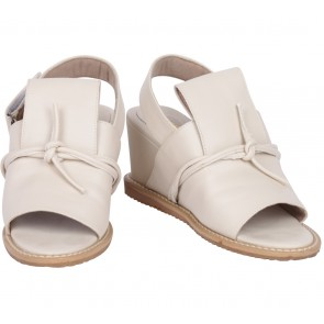 Up Side Down Beige Clover Sandals