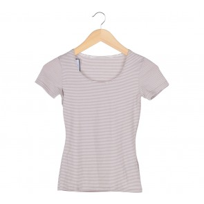 UNIQLO Brown And White T-Shirt
