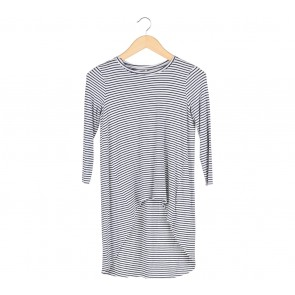 Stradivarius White And Black Striped Asymmetric T-Shirt