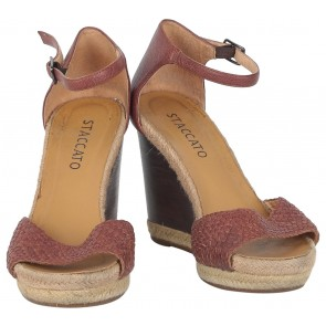 Staccato Brown Wedges