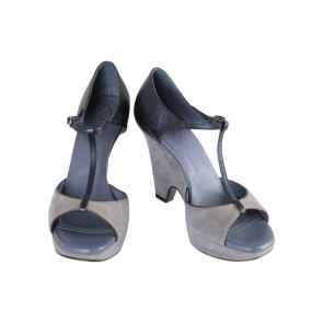 Tod's Dark Blue Heels