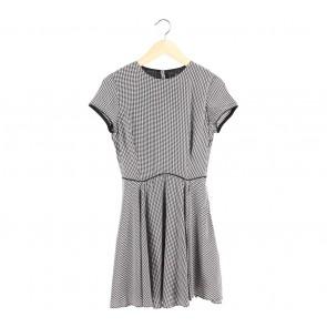 Zara Black And White Houndstooth Mini Dress