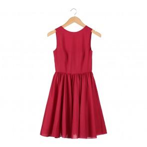 Red Sleeveless Midi Dress