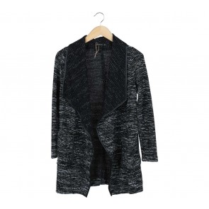 Stradivarius Black And White Outerwear