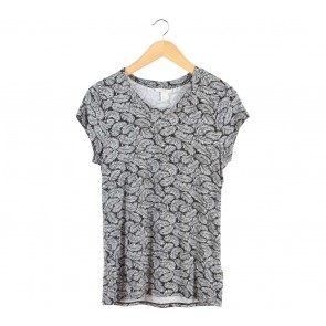 H&M Black And White T-Shirt