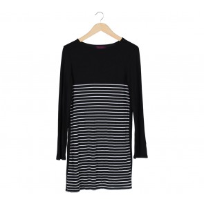 Ardistia New York Black And White Striped Midi Dress