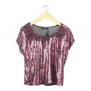 Forever 21 Black And Red Sequins T-Shirt