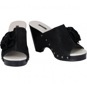 Andre Valentino Black Wedges