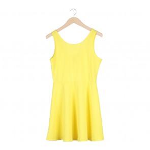 Divided Yellow Sleeveless Mini Dress