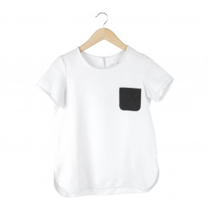 Major Minor White with Black Pocket Blouse