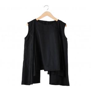 Ree Black Sleeveless Blouse