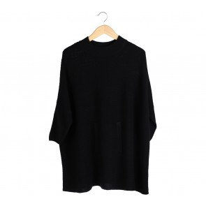 Noir Sur Blanc Black Knit Sweater